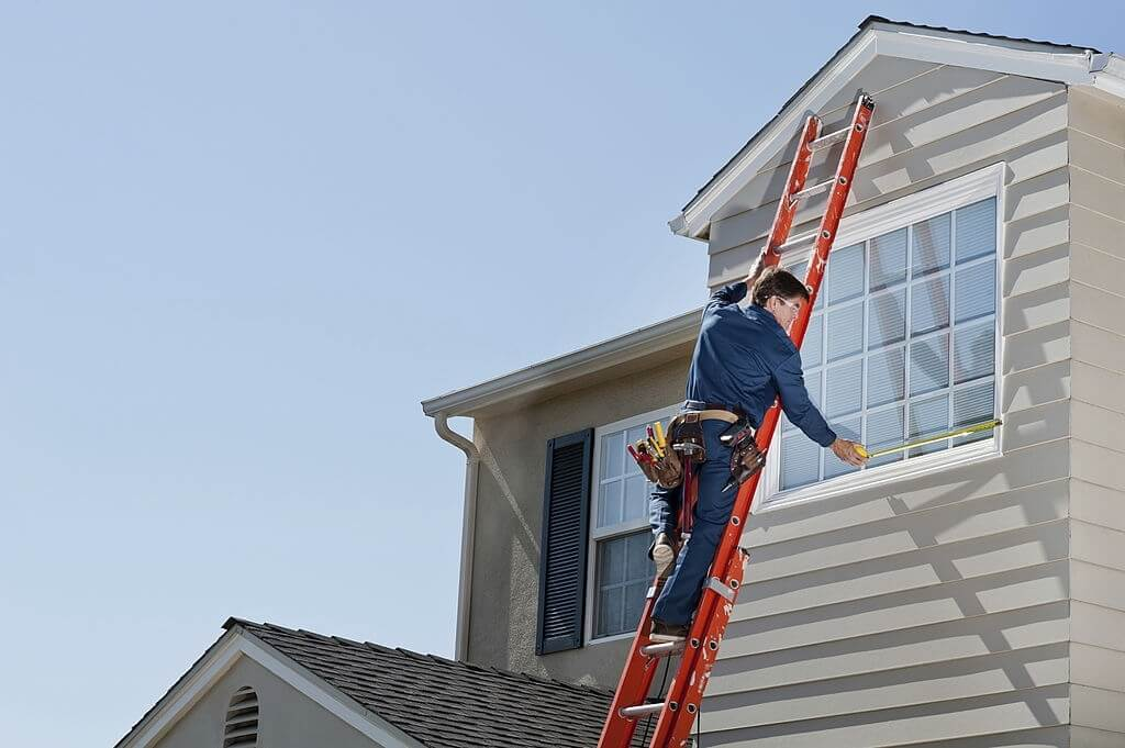 Extension Ladder Safety Tips